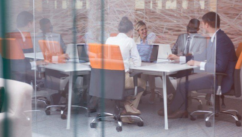 Behave yourself – etiquette in Polish offices